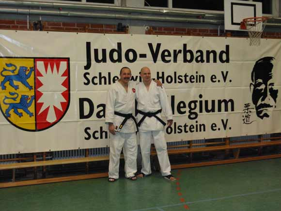 judo club ahrensburg e v dan pr fung in kiel 15 dezember 2012 judo club ahrensburg e v. Black Bedroom Furniture Sets. Home Design Ideas